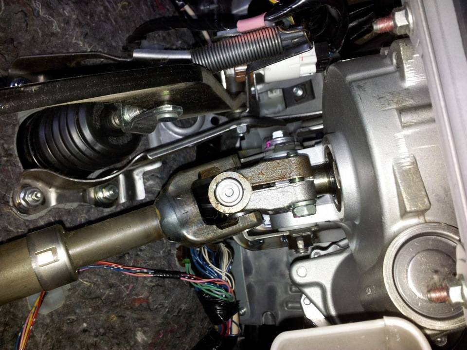 Что лучше заменить рулевую рейку или отремонтировать