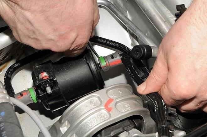 Замена топливного фильтра рено дастер 1.5 дизель, 1.6, 2.0 бензиновые двигателя, фото, видео