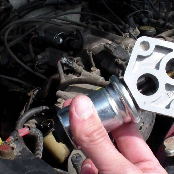 Стук в двигателе: возможные причины и выполнение ремонта