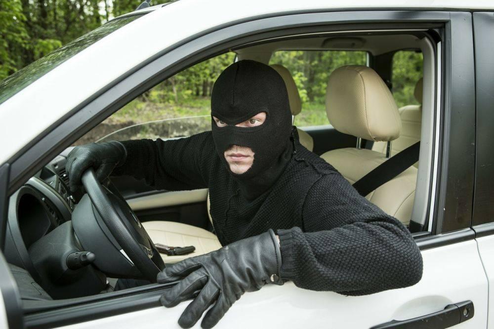 Как понять, что вашу машину хотят угнать? 4 очевидных признака, на которые никто не обращает внимания