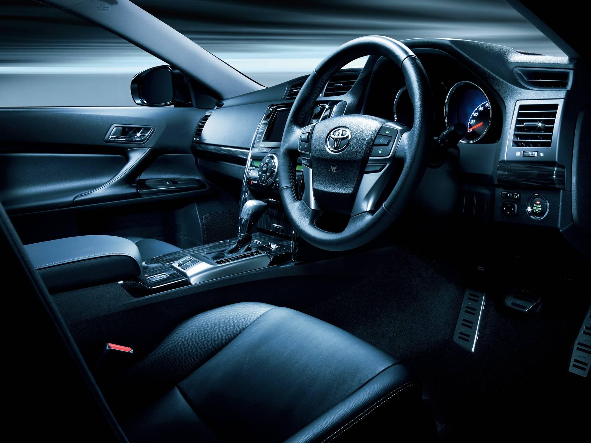 Испорченная легенда: обзор Toyota Mark X I поколения