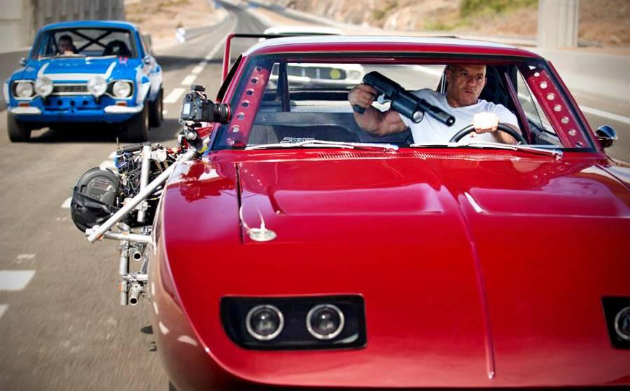 Все автомобили киносаги «форсаж»: от первой до седьмой, от dodge до nissan. пол уокер: если у человека много дорогих машин, то ему нужно к психологу коллекция пола уокера насчитывает 18 гоночных автомобилей