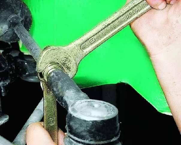 Рулевые тяги и рулевые наконечники: как проверить и заменить