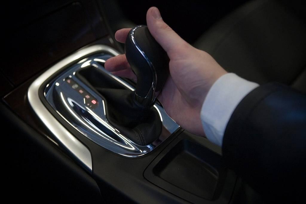 """Как управлять автомобилем с коробкой """"автомат"""": особенности эксплуатации машины с акпп"""