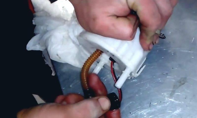 Когда менять топливный фильтр на Киа Соренто