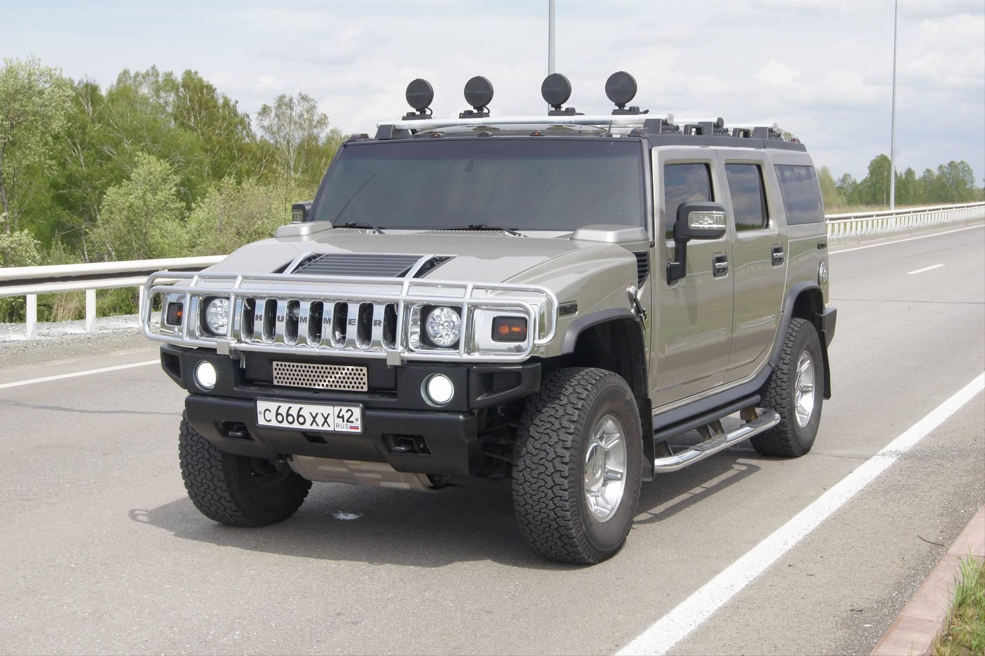 10 самых брутальных машин на российской вторичке