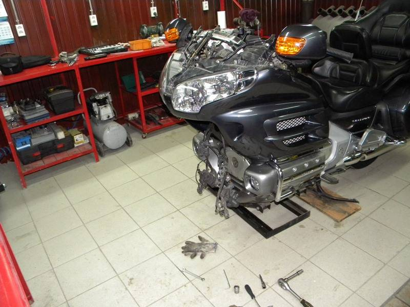Информация по мотоциклу honda gl1800 gold wing