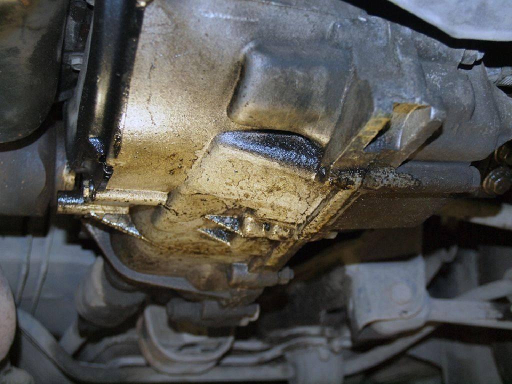 Что может вытекать из автомобиля – виды разнообразных луж под машиной