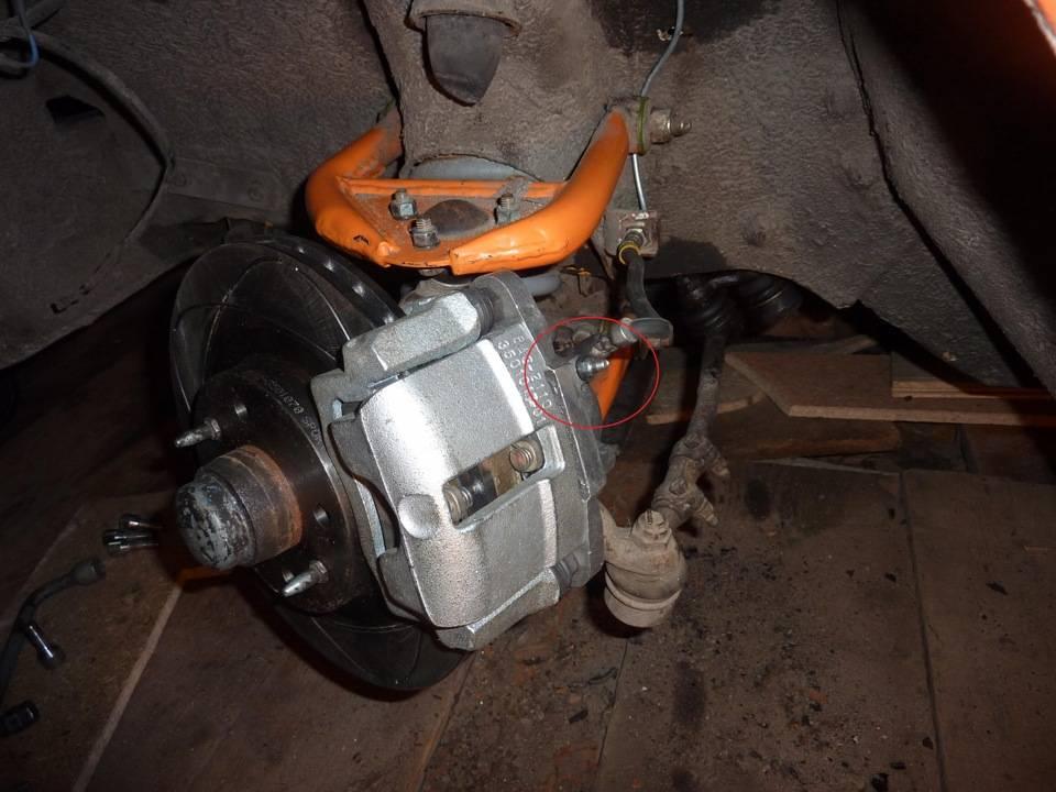 Проваливается педаль тормоза после замены колодок: диагностика и ремонт