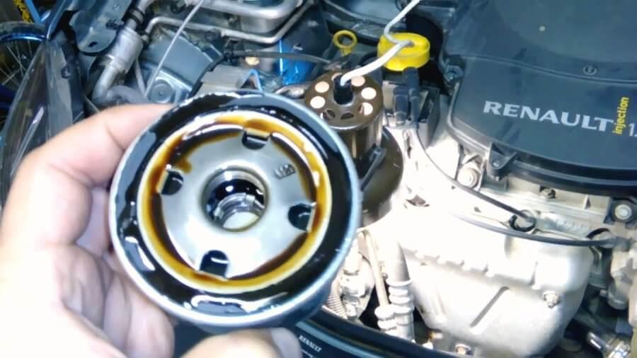 Замена масла в двигателе рено логан: инструкция, слив, залив, объем