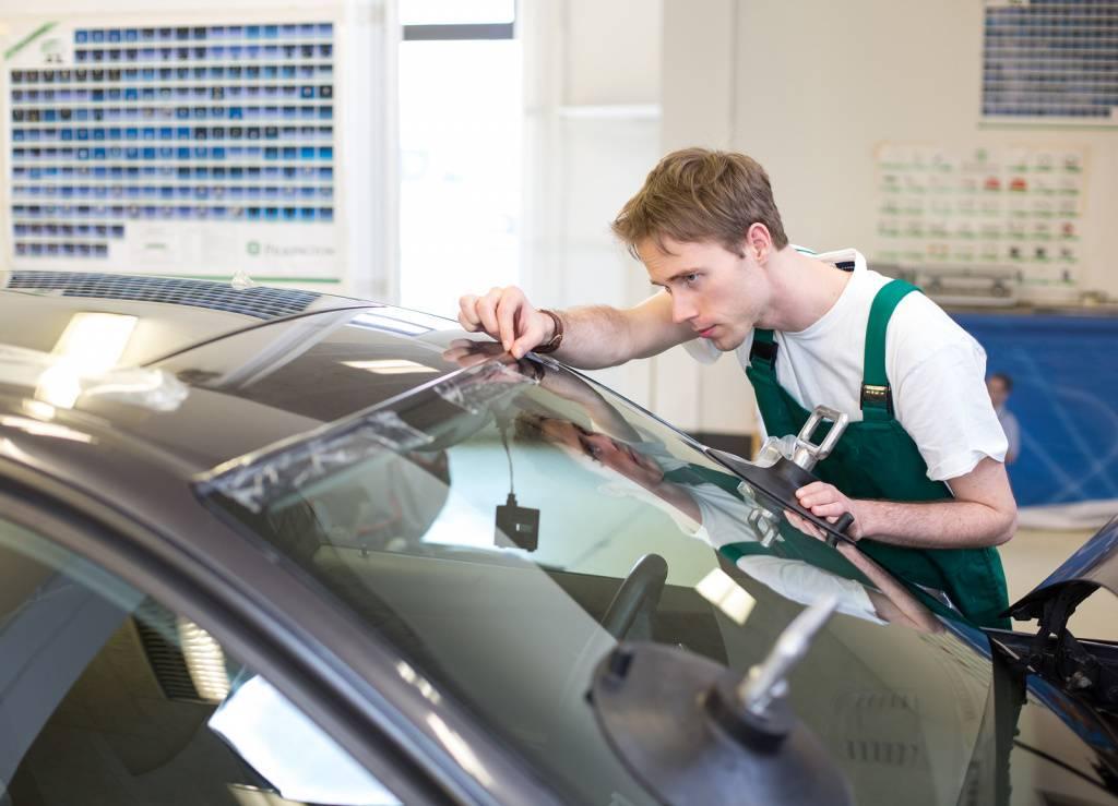 Рекомендации по эксплуатации авто после замены стекла