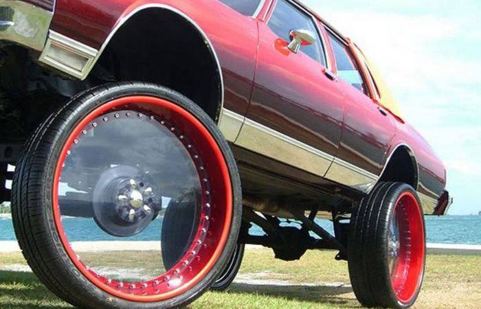 Колеса диаметром больше заводских: как повлияют на автомобиль