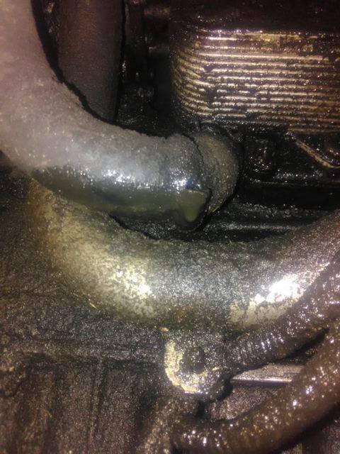 Затопило машину: последствия и что делать?
