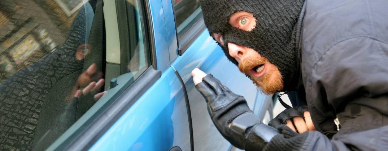 Как защитить автомобиль от угона своими руками