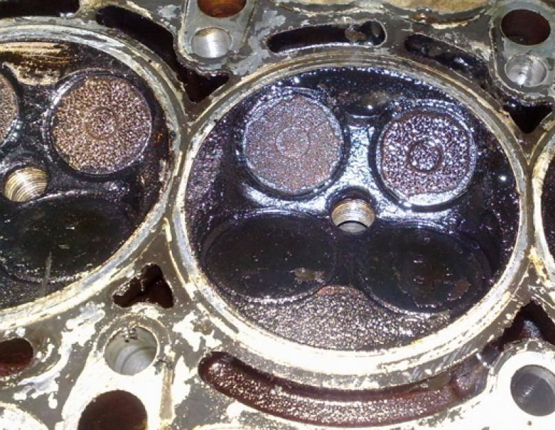 Попадает масло в цилиндры причина   авто брянск