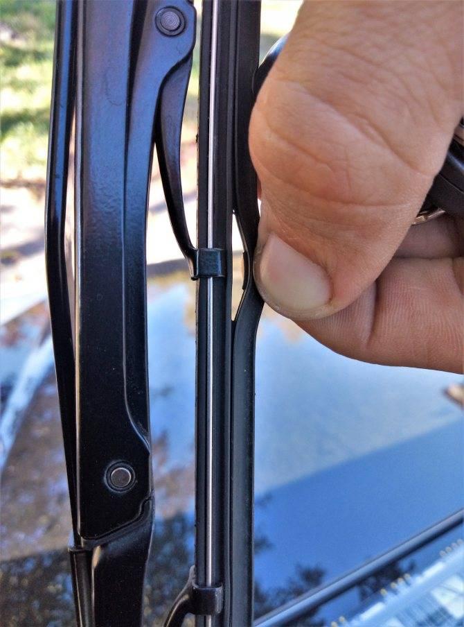 Как заменить резинки на дворниках – ремонт и обслуживание автомобилей