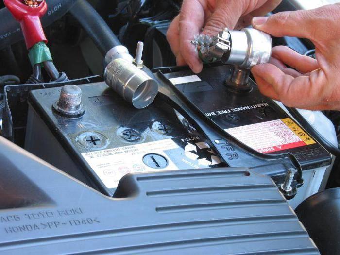 Как произвести восстановление автомобильного аккумулятора своими руками