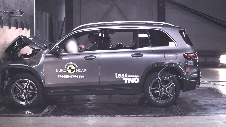 Самые безопасные машины в мире определяются на краш-тесте