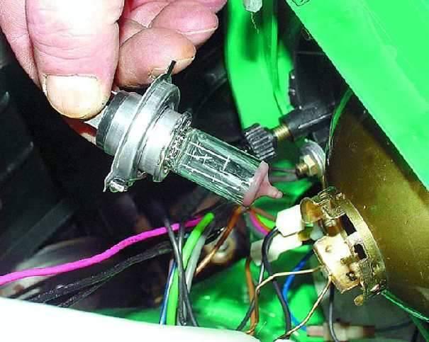 Не горят фары не работает ближний и дальний свет – ремонт и обслуживание автомобилей