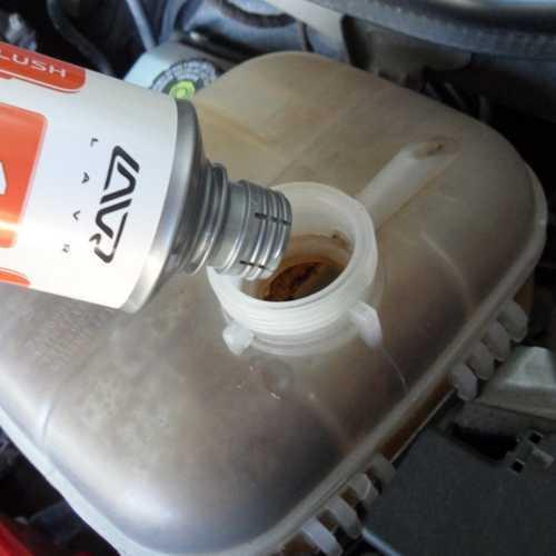 Топ-10 лучших средств для промывки системы охлаждения двигателя: обзор