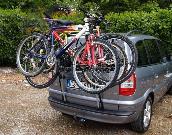Крепим велосипед на автомобиль