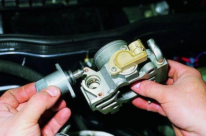 Машина дёргается при разгоне или при движении на малых оборотах: причины