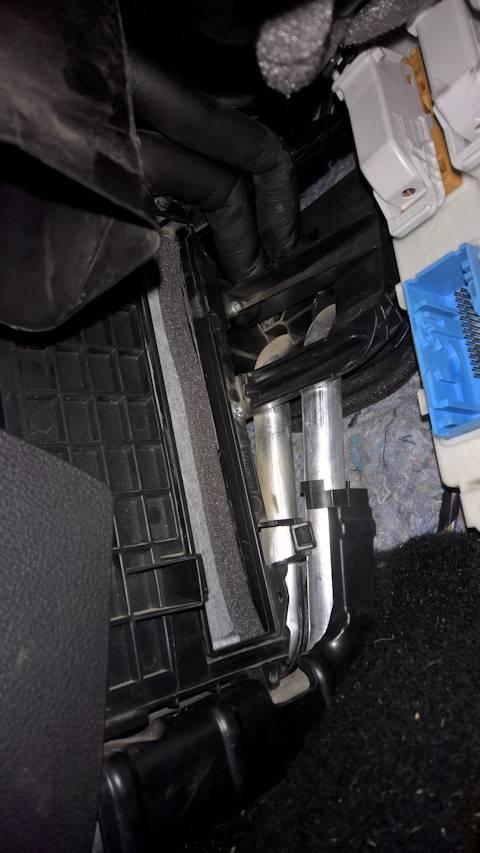 Замена салонного фильтра в форд фокус 3 своими руками