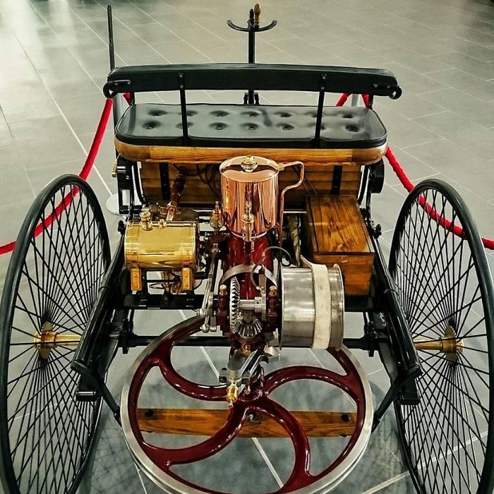 Первый автомобиль в россии и в мире, история создания машины, изобретение двс, паровых и бензиновых моторов, развитие автомобилестроения