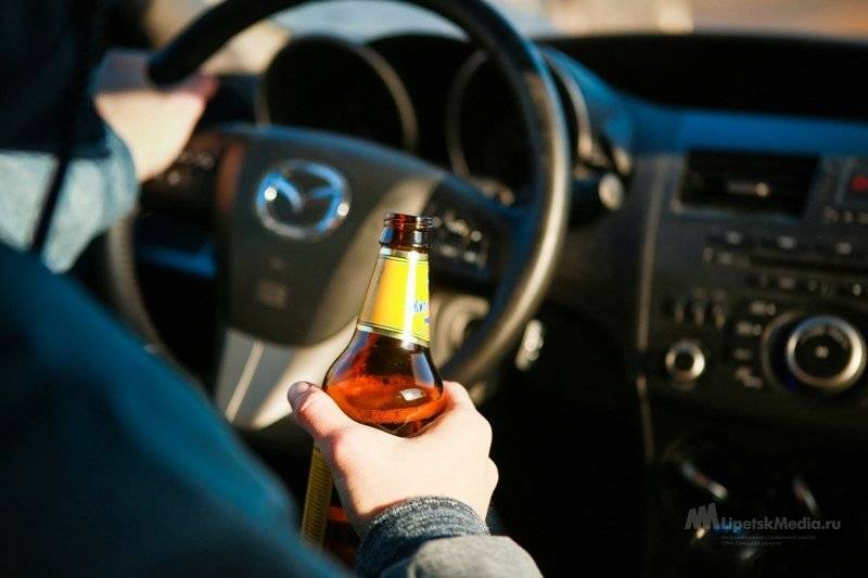 Передача руля лицу в состоянии алкогольного опьянения в 2021 году: штраф и лишение прав за передачу управления человеку в нетрезвом состоянии