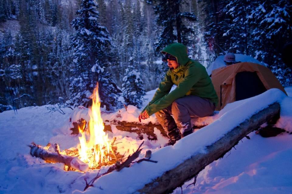 Выживание в снежный буран метель в лесу тайге укрытие как согреться