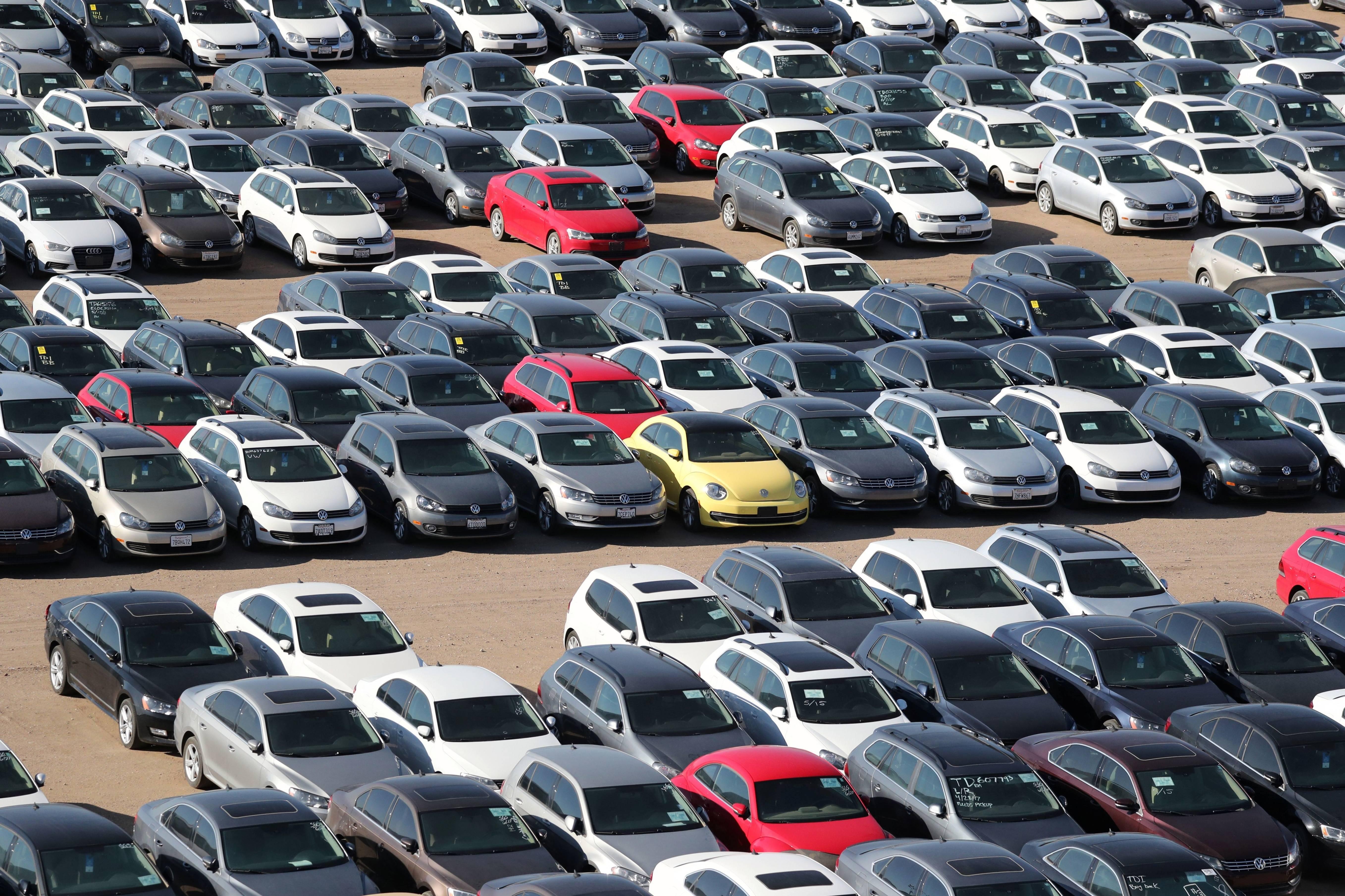 автомобили, которые продавались с самым большим количеством владельцев