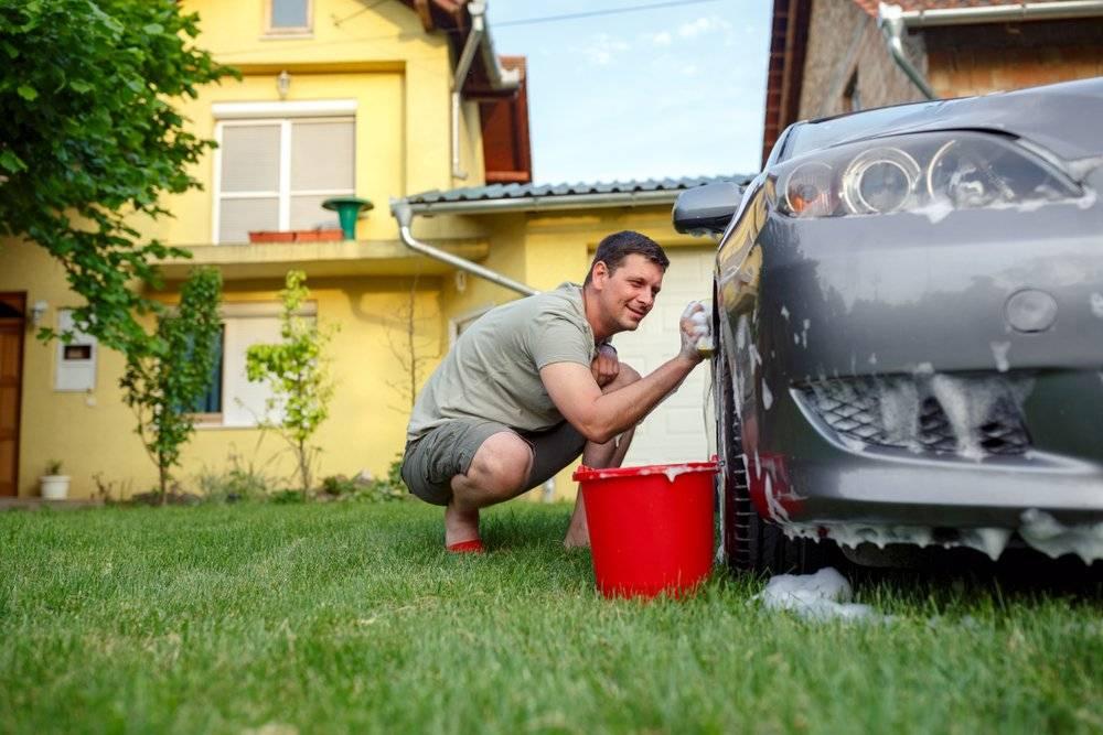 Как правильно прогревать машину во дворе, чтобы не получить штраф