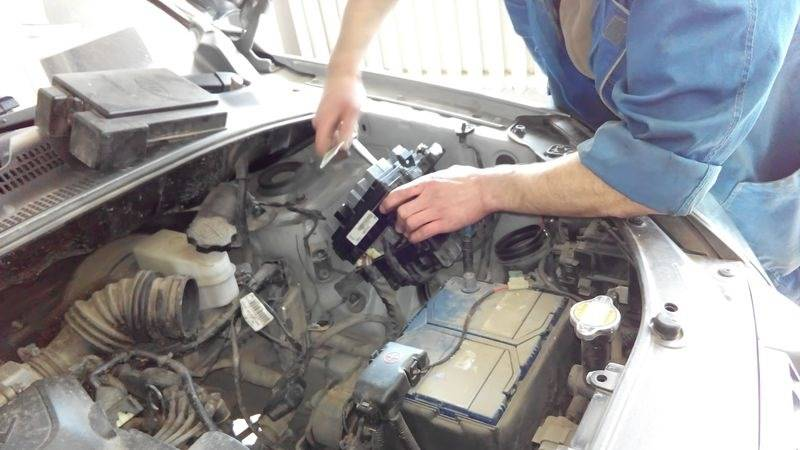 Машина заводится и глохнет сразу или через несколько секунд: поломки бензиновых моторов, диагностика дизеля
