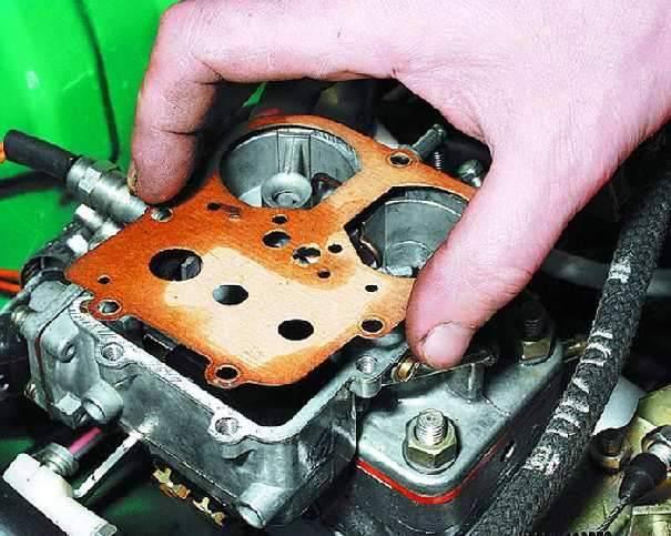 Почему троит двигатель почему стреляет в карбюратор