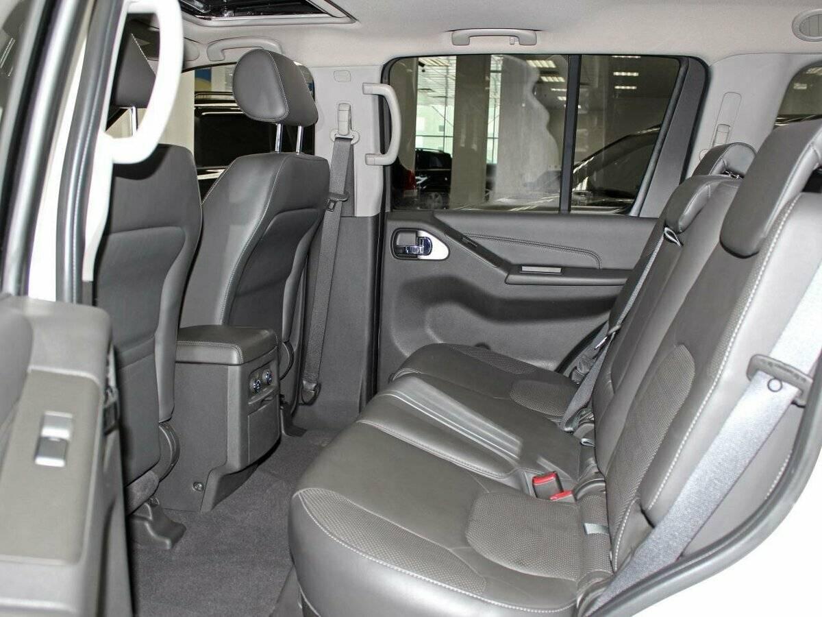 Элитарный внедорожник: обзор Nissan Pathfinder 2005-2013 г. в.