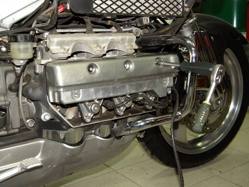 Обзор мотоцикла honda gl1800 gold wing