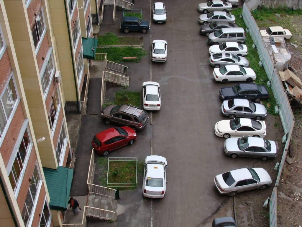 Штраф за машину с работающим двигателем во дворе (статья 12.19 коап рф)