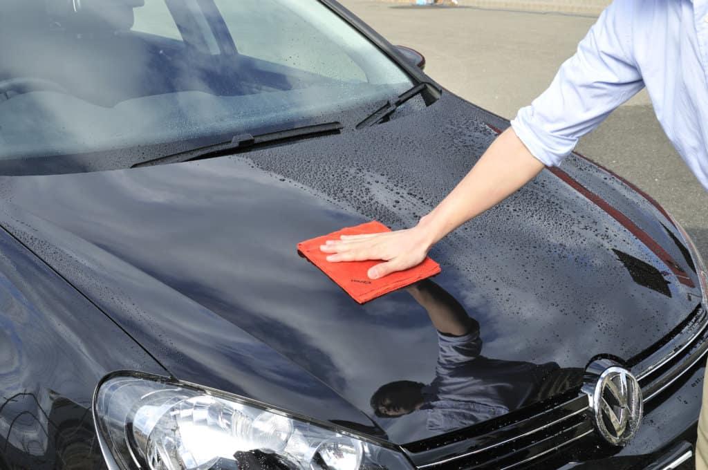 Нанесение горячего воска на авто кузов: инструкция и техника