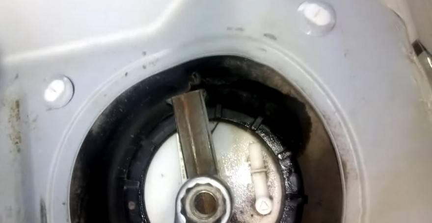 Замена топливного фильтра соренто. фото, инструкция как поменять топливный фильтр на киа соренто xm 2.4 л. бензин. замена топливного фильтра и топливного насоса (бензонасоса в баке) kia sorento - kianova
