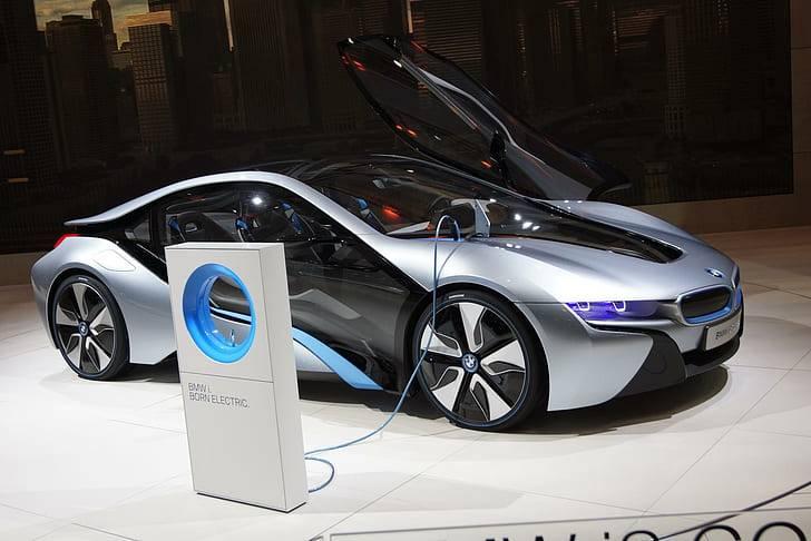 Будущее автопрома: электромобили, мифы и реальность
