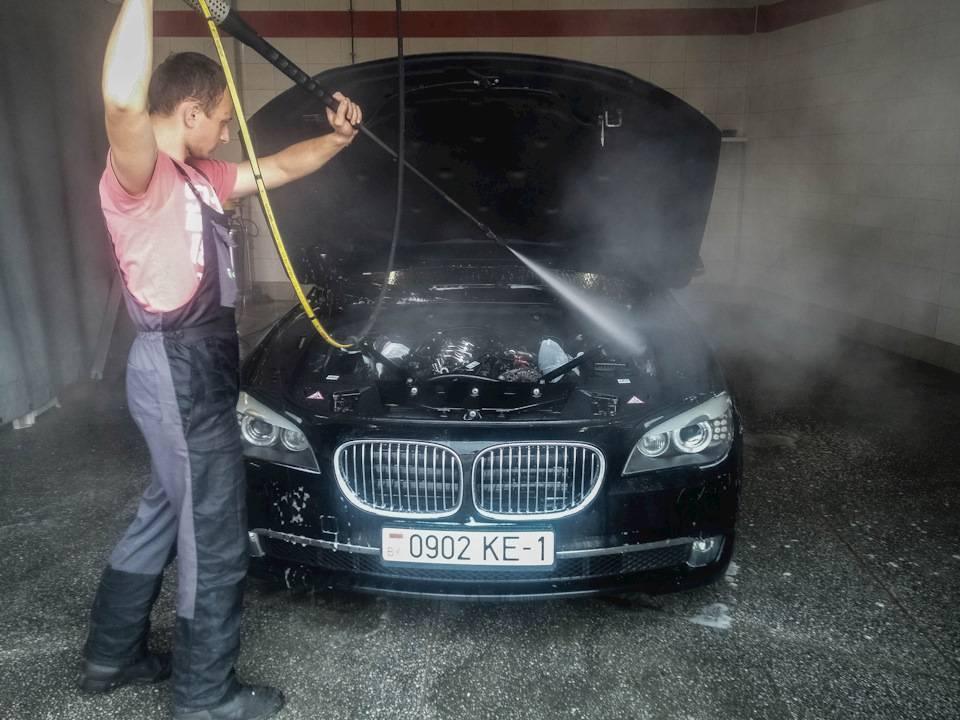 Чем помыть двигатель автомобиля от масла