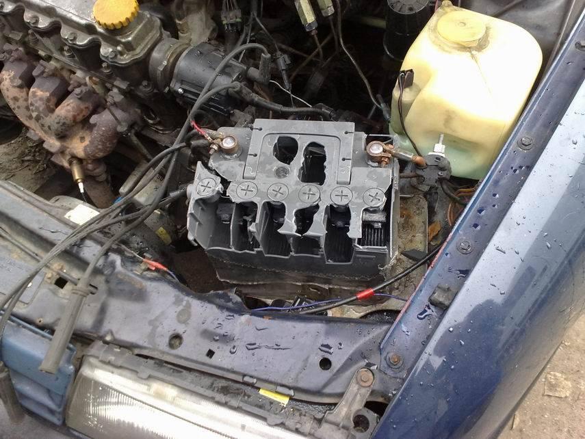 Почему взрываются автомобильные аккумуляторы