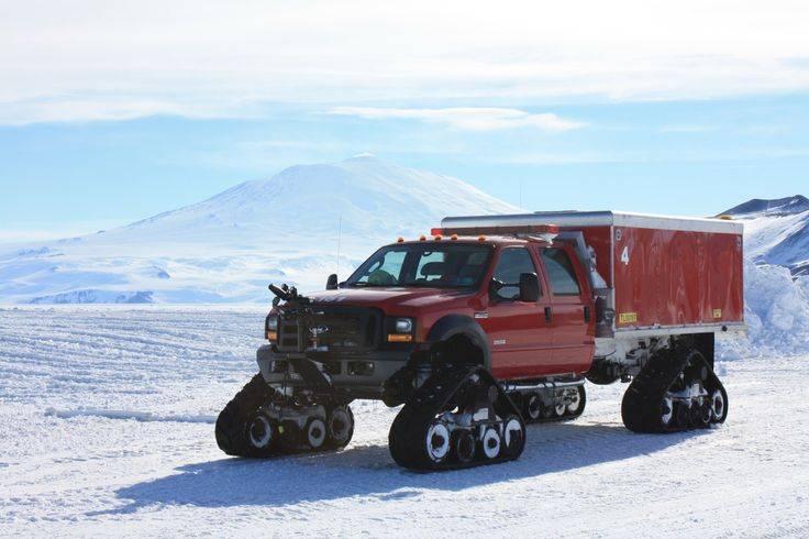 Как доставляют грузы полярникам: 8 машин для снежных пустынь