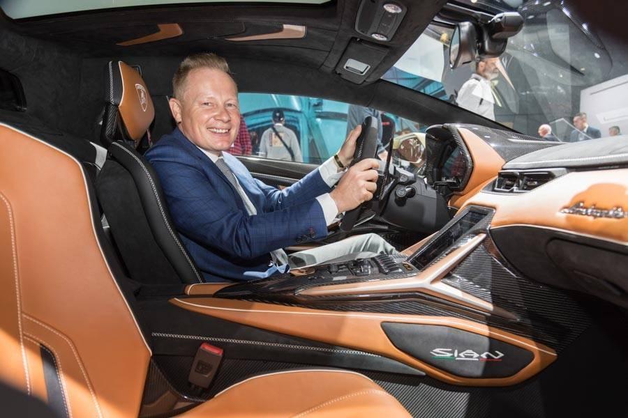 Во франкфурте lamborghini представил свой первый гибридный суперкар sian ► последние новости