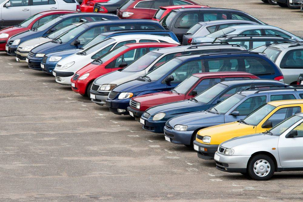 Названы автомобили, которые сильно теряют в цене