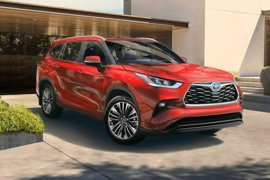 Озвучены цены на кроссовер Toyota Highlander 2020