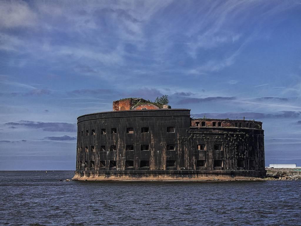 Форты и маяки кронштадта: прекрасные морские экскурсии