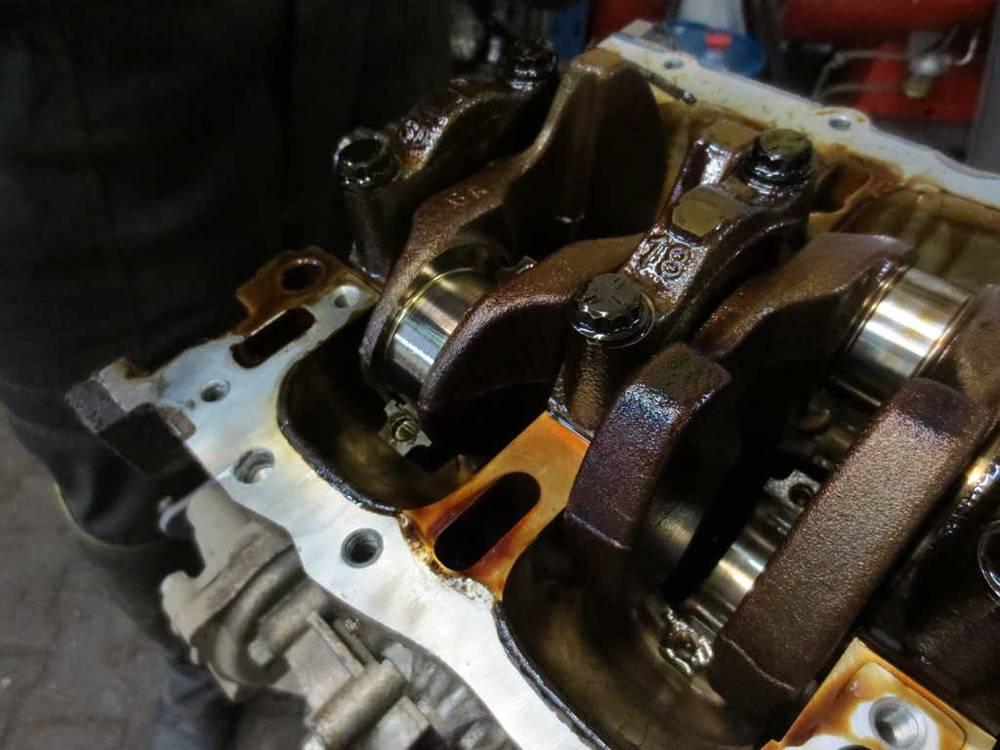 Стук в двигателе автомобиля, причины и диагностика