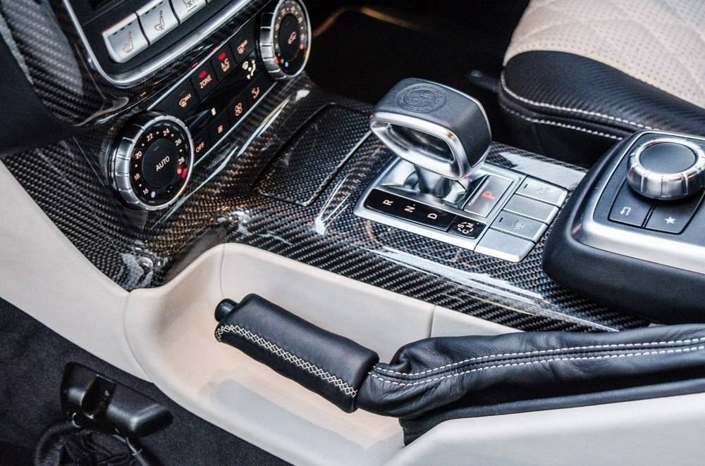 Крутой и еще круче: Mercedes-AMG G 63 и Porsche Cayenne Turbo