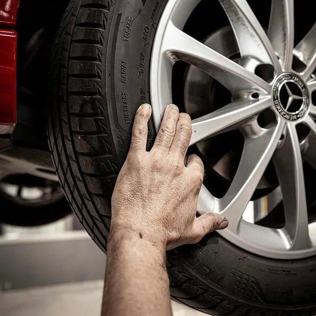 Почему никогда не стоит покупать дорогие шины — мнение эксперта